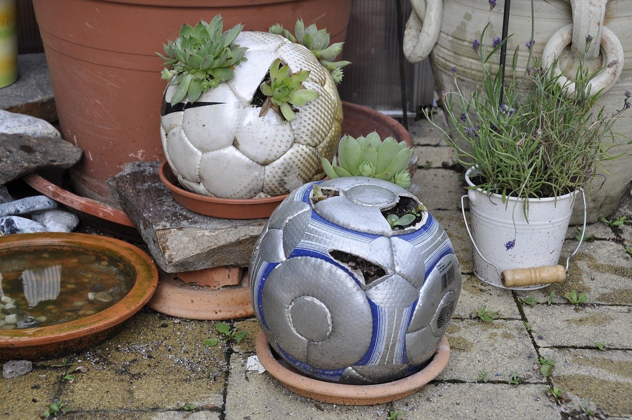 Best-upcycling-ideas-to-use-at-home-for-repurposing-household-items